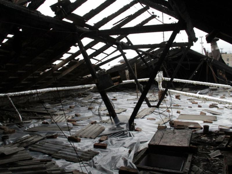 В Усть-Каменогорске жители одного из домов могут встретить зиму без крыши