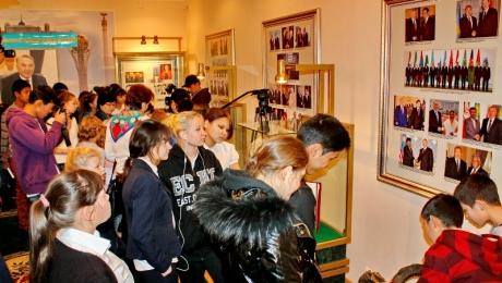 Алматинские студенты посетили школу, в которой учился Президент РК