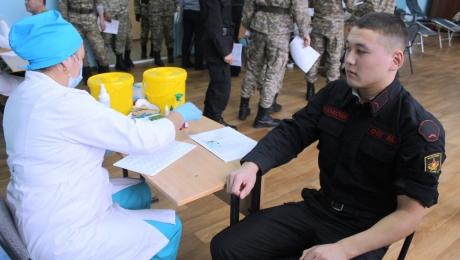Военнослужащие ВС РК сдали почти 30 литров крови