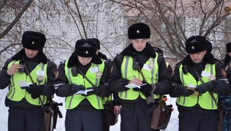 Дорожно-патрульных полицейских Петропавловска оснастили нагрудными видеорегистраторами