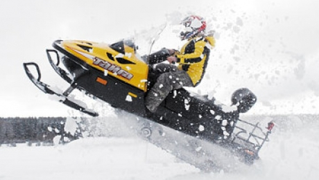 В СКО спасли двух сельчан, заблудившихся на снегоходе в буран