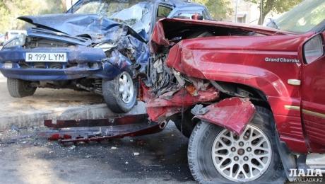 Дорожные аварии 2015 года или «шумахеры» из Актау