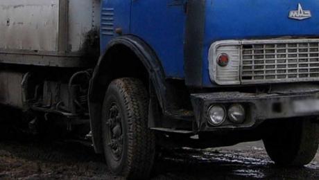 Труп мужчины обнаружен в грузовике на автотрассе в Мангыстау