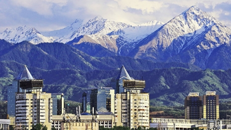 Еще не менее 10 незаконных строений выше пр. аль-Фараби в Алматы будут снесены